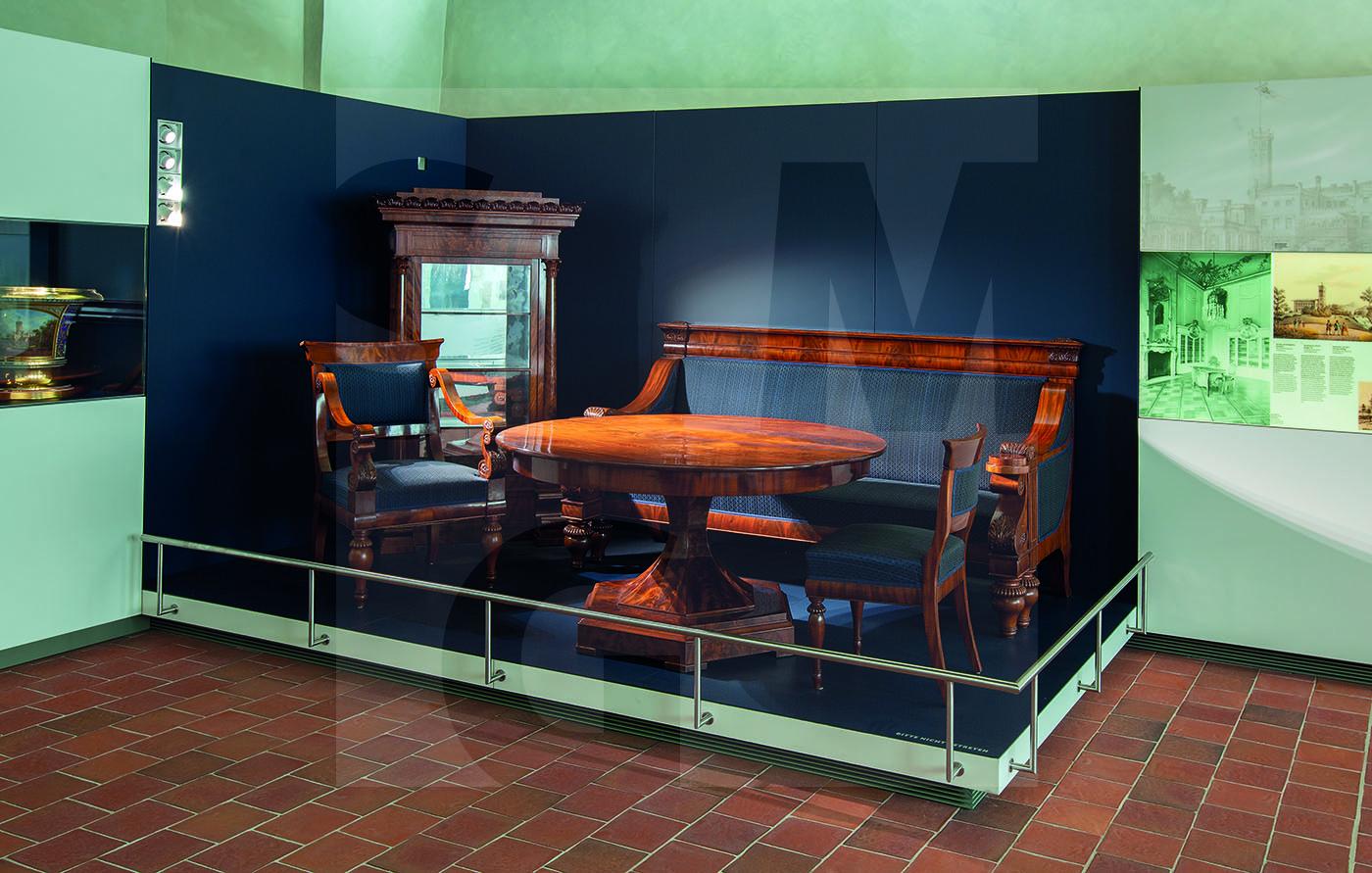 Möbel aus Schloss Erdmannsdorf